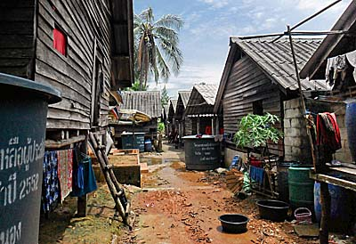 Moken Village on Ko Chang by Asienreisender