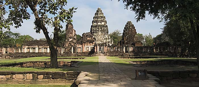 Phimai Temple Complex by Asienreisender