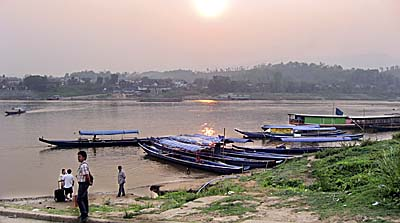 The Mekong River at Huayxai by Asienreisender