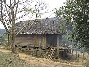 Peasant House at Hintang by Asienreisender