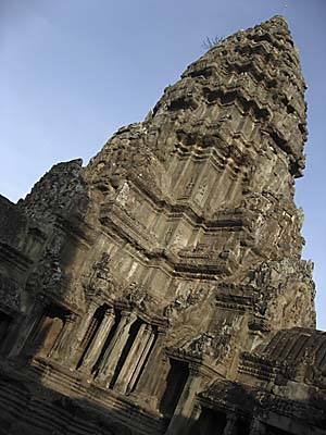 Central Tower (Prasat) of Angkor Wat by Asienreisender