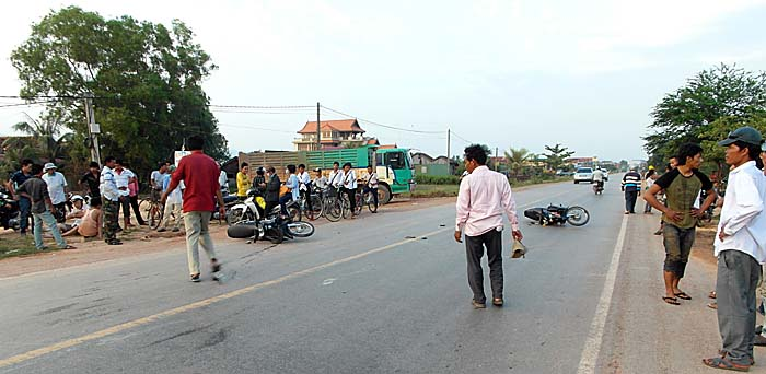 Traffic Accident near Kampot by Asienreisender