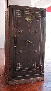 'A Safe in the National Museum of Songkhla' by Asienreisender