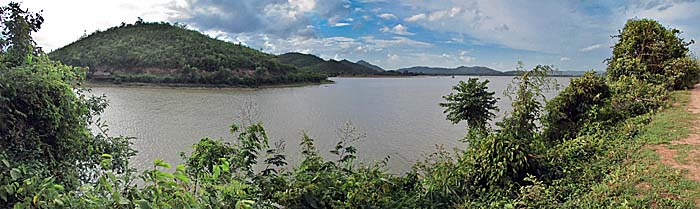 'The Secret Lake of Kampot' by Asienreisender