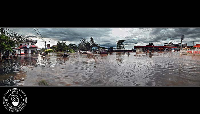 'Floodes Busstation in Kampot' by Asienreisender
