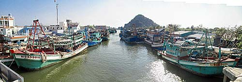 'Fishing Boats at the South Vietnamese Coast' by Asienreisender