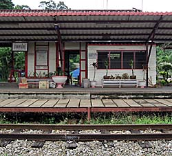 'The Train Station of Bang Saphan' by Asienreisender