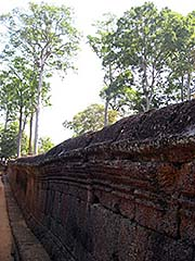 'The Laterite Wall of Banteay Srei' by Asienreisender