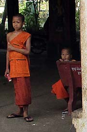 'Novices in a Cambodian Wat' by Asienreisender