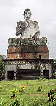 'Huge Buddha Statue near New Wat Ek' by Asienreisender