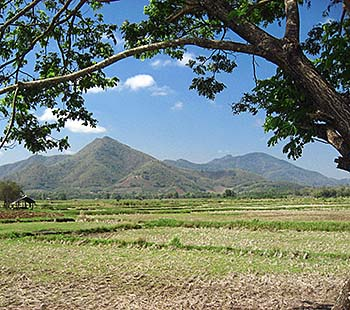 'Plains and Mountains around Loei' by Asienreisender