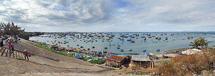 'The Bay of Mui Ne' by Asienreisender
