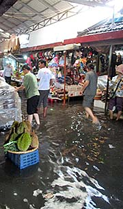 'Kampot Fresh Market, Flooded' by Asienreisender