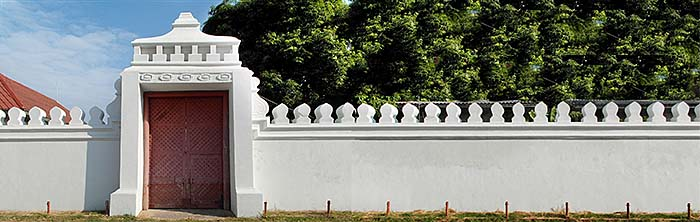'Temple Wall with Gate' by Asienreisender