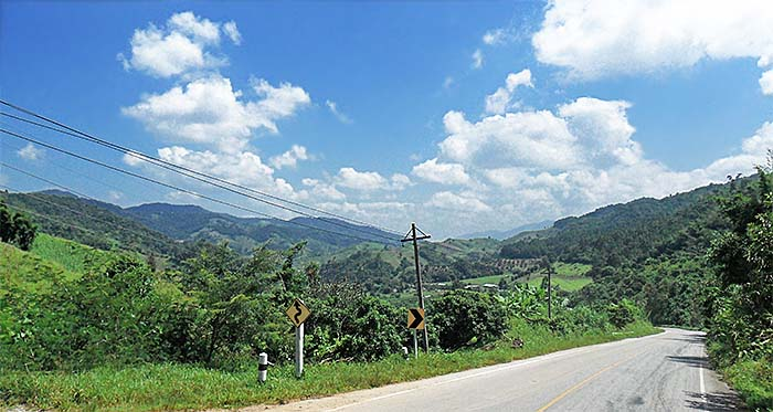 'The Daeng Lao Range between Mae Chan and Tha Ton' by Asienreisender