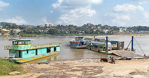 'The Old Ferry Service over the Mekong River at Chiang Khong' by Asienreisender